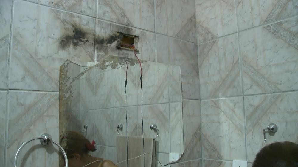 Após ser atingida por raio, equipamento eletrônicos queimaram em casa na cidade de Sousa, na Paraíba